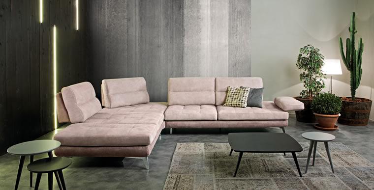 Da olimp i nuovi bellissimi divani delta in esposizione for Salotti bellissimi